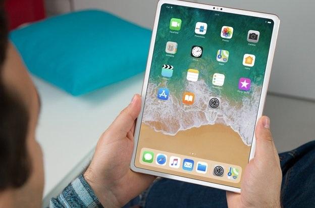 11 hazbeteko iPad Pro eta berria Apple Watch agertu