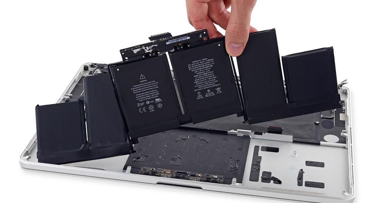 """15 """"MacBook Pro bateriak (2015aren erdialdean) lehertu egin lezake eta Apple zure doako trukea eskaintzen du"""