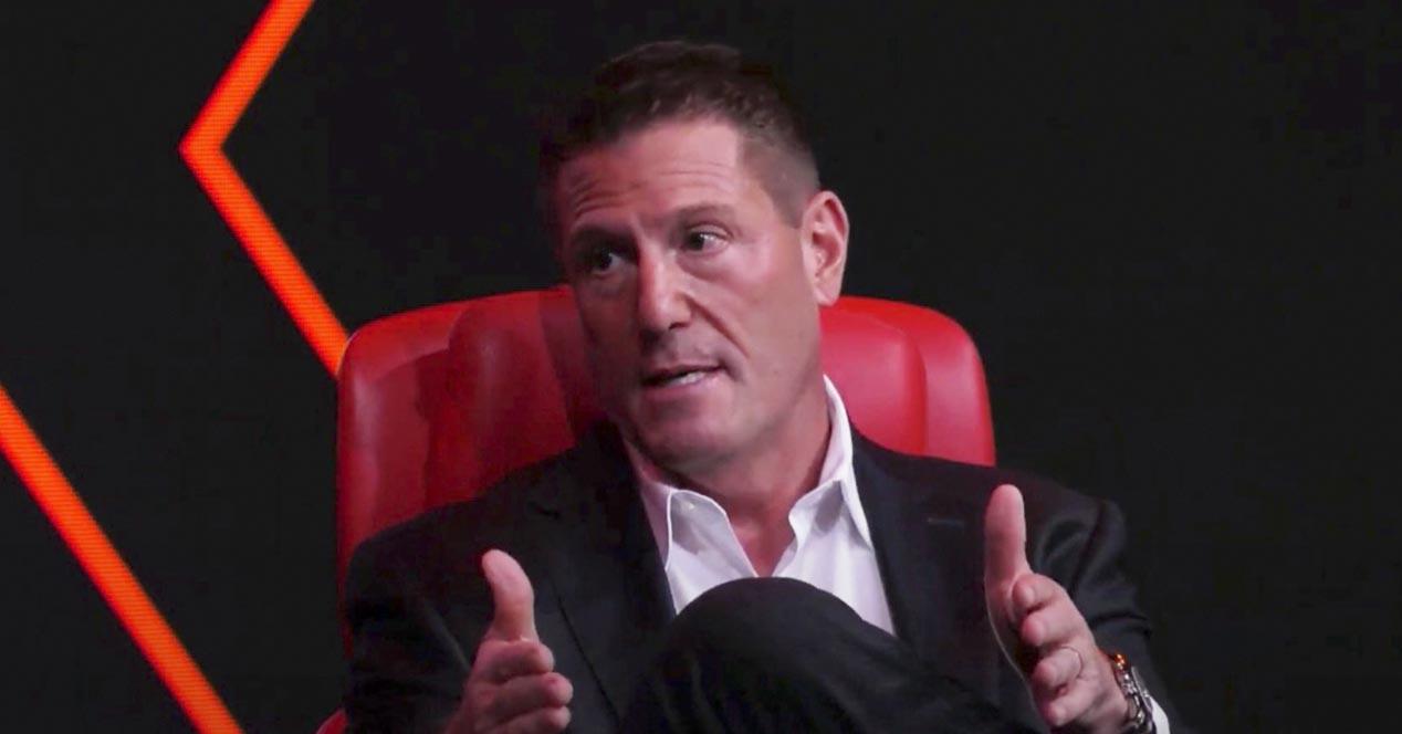 Nor da Kevin Mayer, Disney utzi zuen exekutiboa TikTok-era