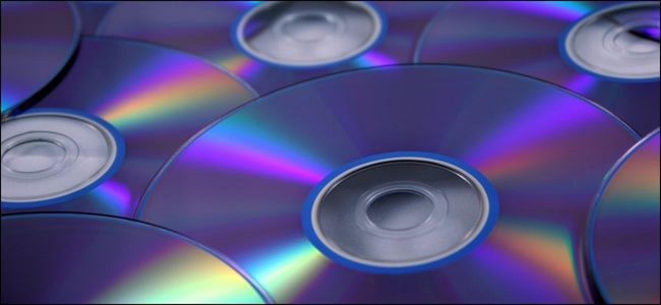 Nola suntsitu dezaket modu seguruan datu sentsibleen CDak / DVDak?