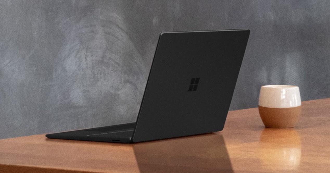 Eskuliburua duzu dagoeneko SSD Azalera Laptopera aldatzeko 3 Microsoft-etik