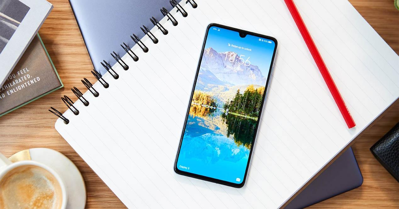 Badakigu jada zein Huawei produktu izango den Hongmeng OS-a ekartzen duen lehena
