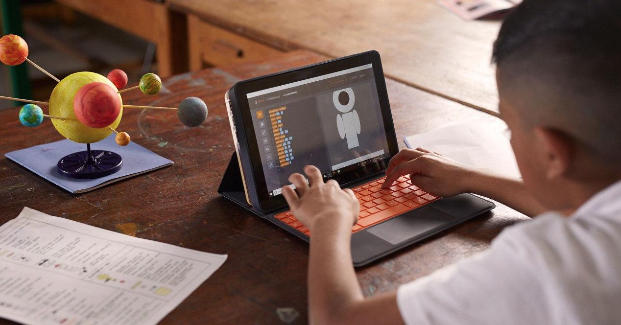 Kano PC, ordenagailu batekin Windows Txikienak biltzen dituen 10