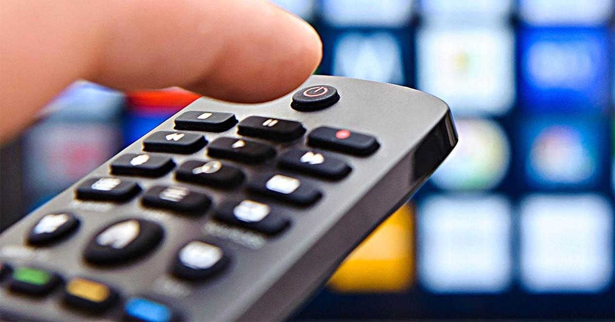 Movistar + eta beste satelite bidezko telebistako zerbitzuak piratatzeaz arduratzen zen IPTV sarerik handiena erori da