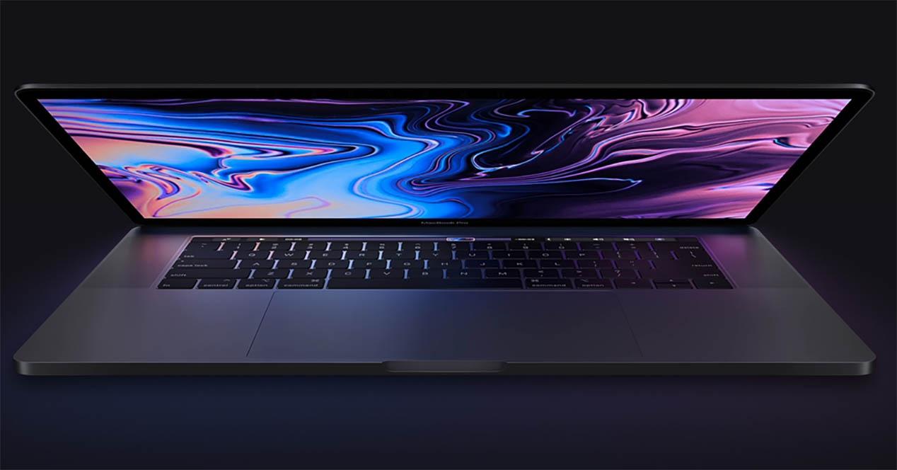 16 hazbeteko MacBook Pro berri bat irits liteke aurten