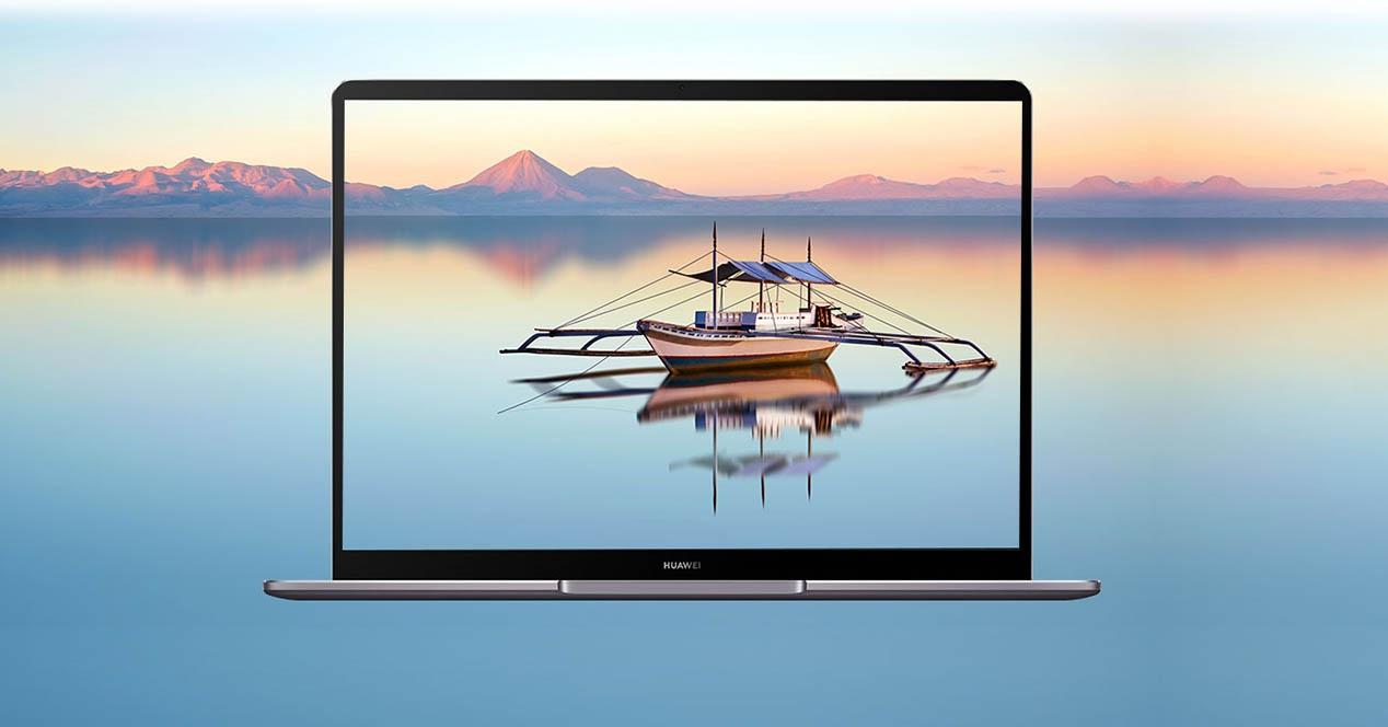 Huaweiren MateBook 13 berria Macbook Airetik harago bizitza dagoela frogatzen jarraitu nahi du