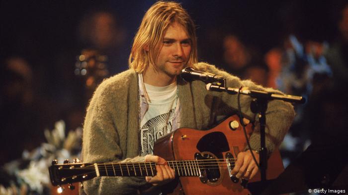 Breaking Bad star Aaron Paul Nirvanako Kurt Cobain izan nahi du
