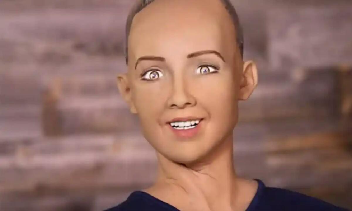 Sophie laster robot humanoidak Turkiara iritsiko dira