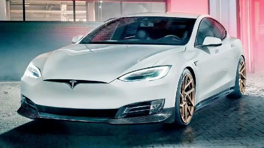 Tesla nahi gabe eguneratzeak argia zure mugikorrean