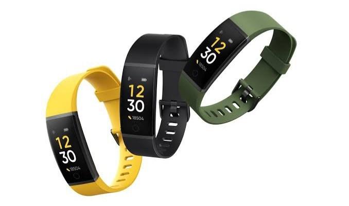 Fitness Trackers onenak SpO2, Lo, Bihotz Maiztasuneko eta Igeriketaren Jarraipenarekin