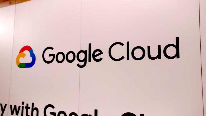 Google-k milioika gaixoen datuak bildu zituen baimenik gabe