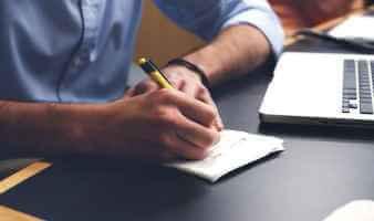 Grammarly vs Microsoft Editor: Zein da gramatika frogatzeko tresna hobea?