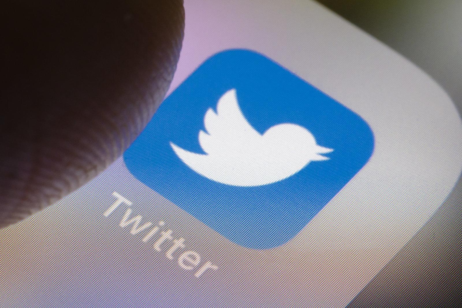 Twitter Horrelako buruzagi politikoen kontuak saihestuko ditu