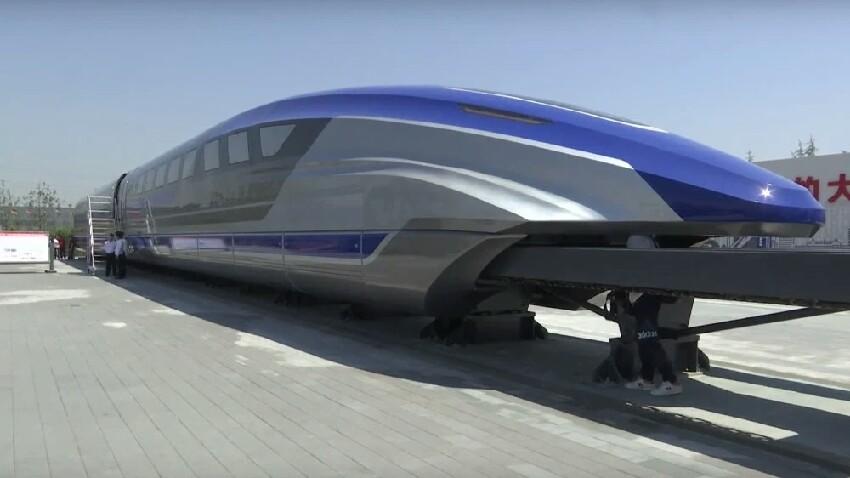 Txinatarrek tren hegalaria egingo dute!