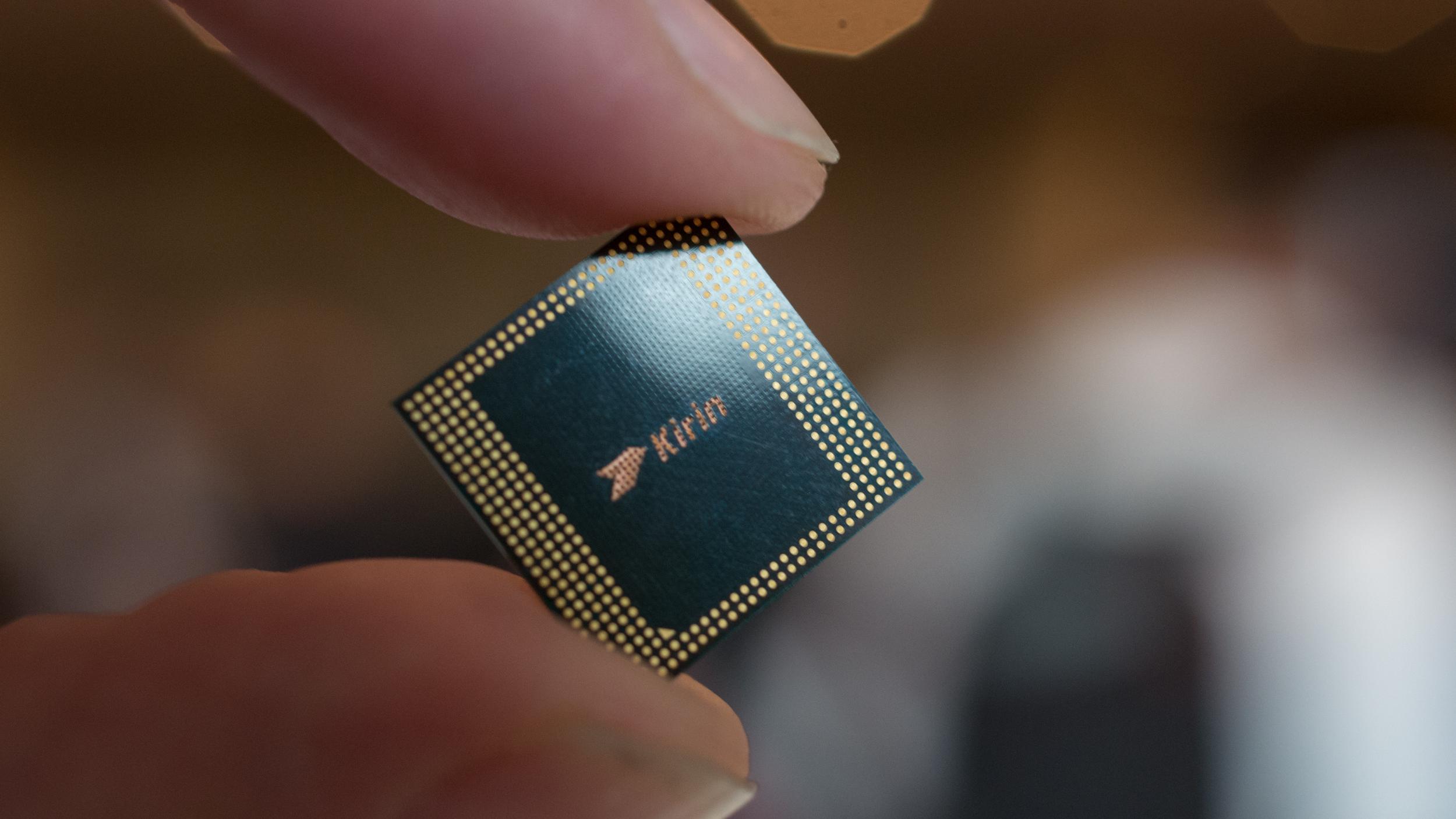 Huawei-k Qualcomm eta MediaTek-ekin duen menpekotasuna amaitu nahi du