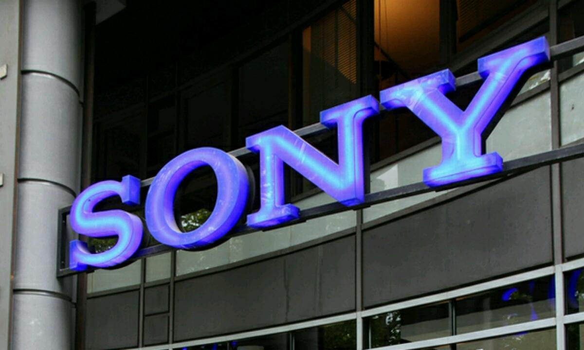 Sony telefonoen salmentek behekaldean ikusten dute