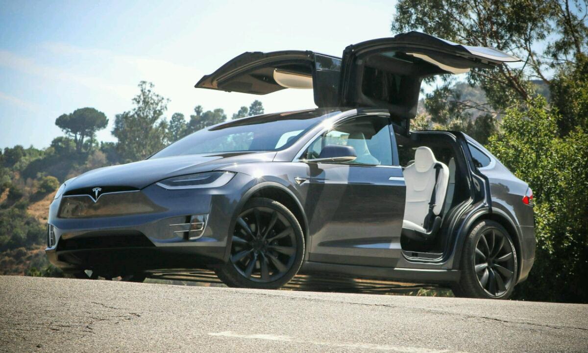 Tesla Model X eta S Modelak motor indartsuagoak izango dituzte orain