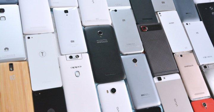 Txinatik atera eta mundua gobernatzen duten smartphone telefonoak