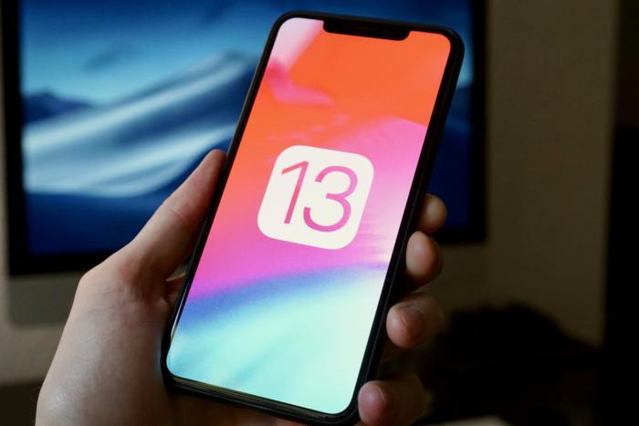 Apple Zergatik ez dizkio iOS 13 eguneratzeak eredu zaharrei?