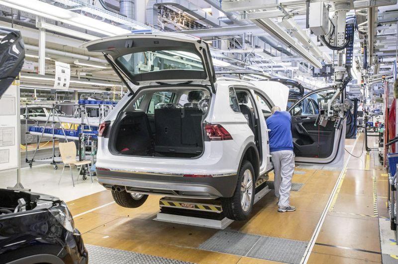 Volkswagen Tiguan bost milioi ekoizpen lineatik kanpo dago!