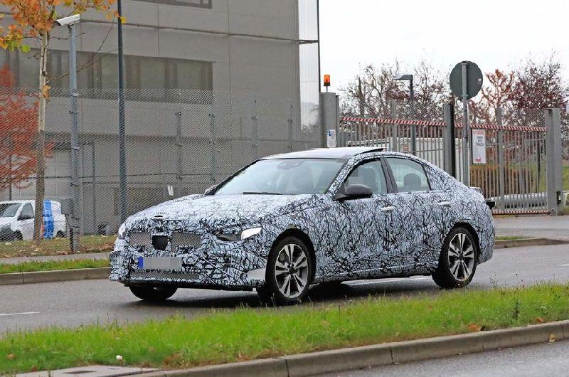 Mercedes-Benz C Klase berria, BMW 3 Seriearekin duelua prestatzen!