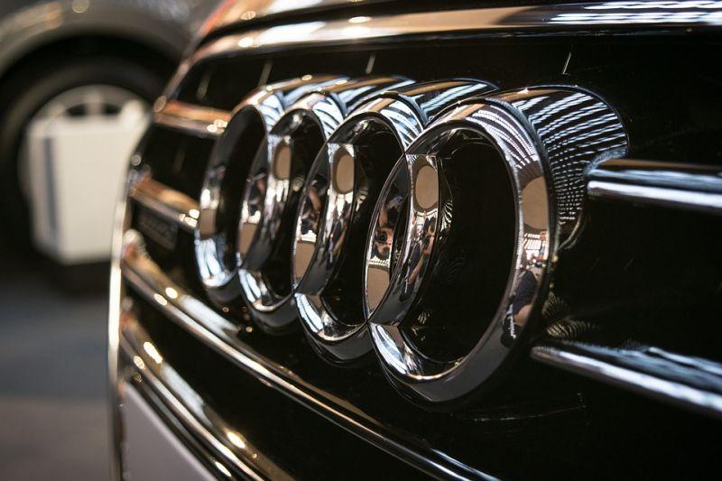 Diesel urraketa Audi-ri jakinarazi zaio!  800 milioi euro