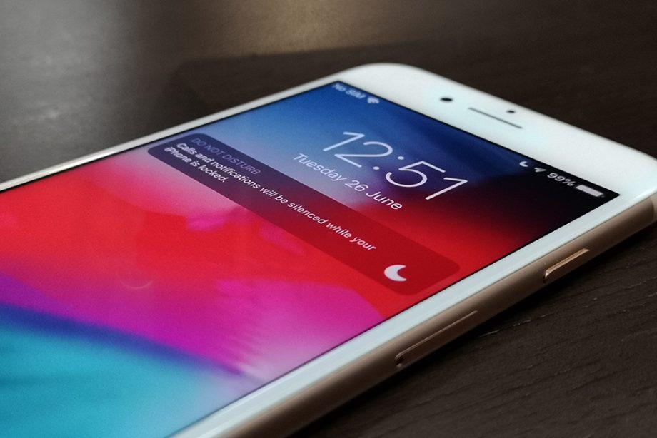 iOS 12 funtzioak hemen daude!  Deskargatu iOS 12!