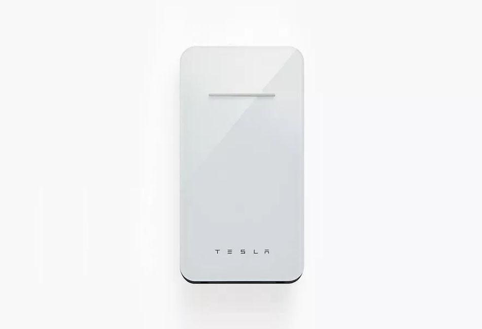 Tesla haririk gabeko hornidura salgai dago!