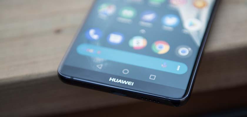 Huawei Mate 20 Pro bateria erraldoi batekin etorriko da!