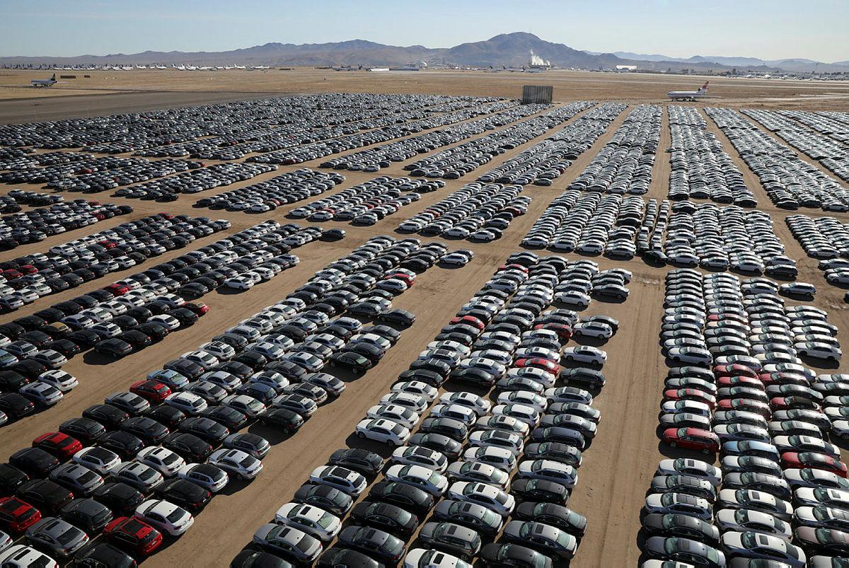 Volkswagen-ek ezin du autoak saltzeko saltokirik topatu!
