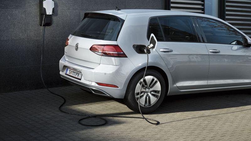 Europan auto elektrikoen salmentak ez dira ondo joan!