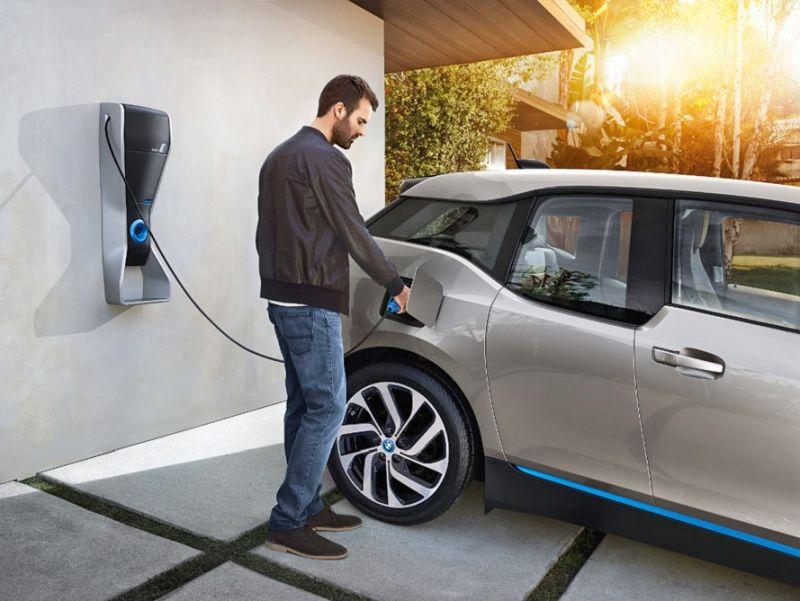 Britainia Handia auto elektrikoekin konprometituta dago!