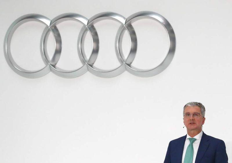 Kudeaketa kaosa Audi!