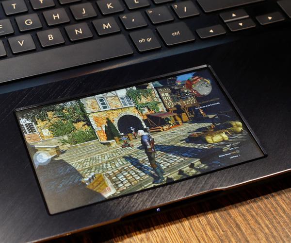 Asus ZenBook Pro 15 (UX580GE) - ordenagailu eramangarria proba touchpad pantailarekin
