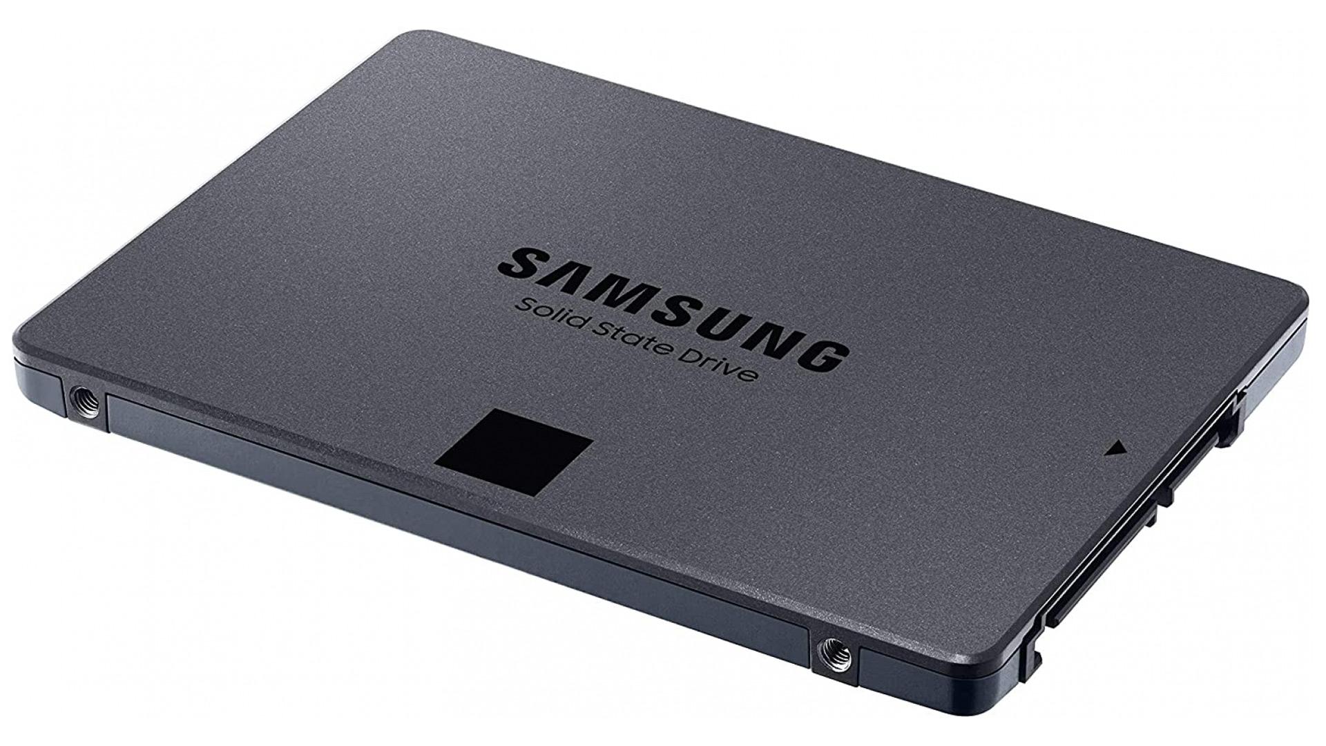 Samsung 870 QVO merkaturatzea da.  Bertsio bat agertuko da salgai 8 TB
