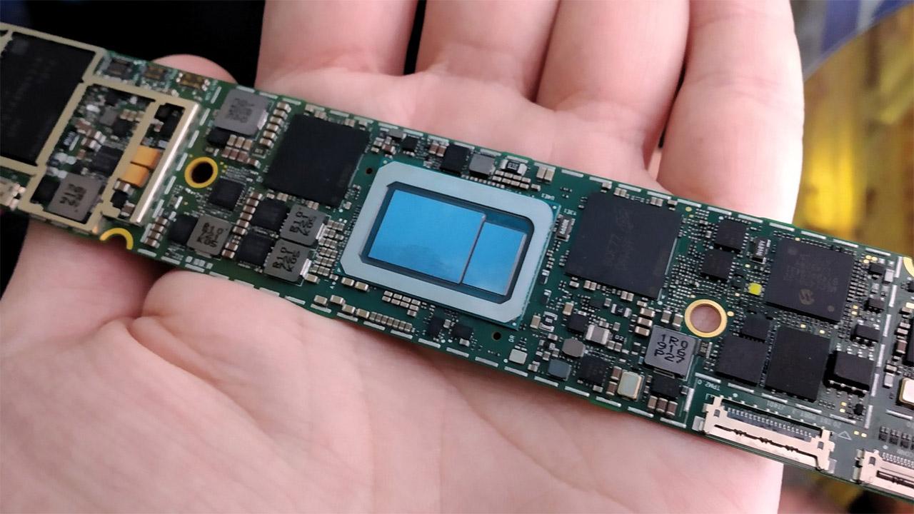 Intel Core i7-1165G7 erreferentzia ezagunean emaitza onak lortu ditu