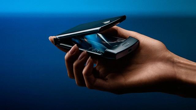 Motorolak bigarren smartphone bat pantaila tolesgarri batekin abiarazteko asmoa du