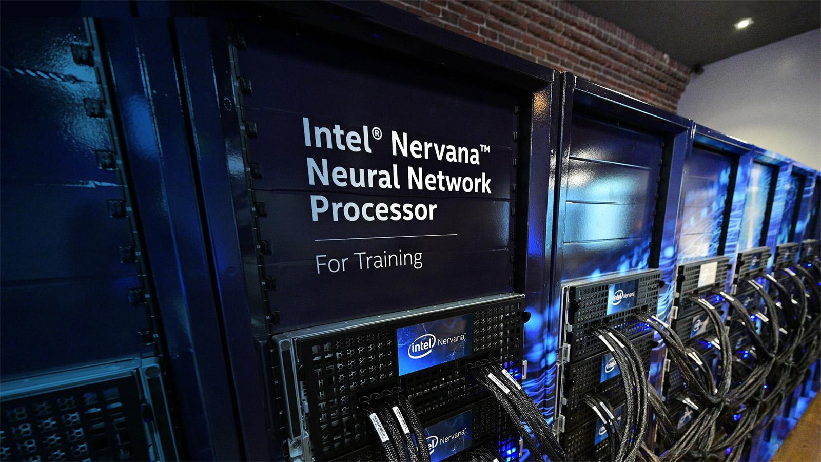 Intelek azaldu du zergatik bideratu den Habana Labs chips garatzean Nervana chips baino