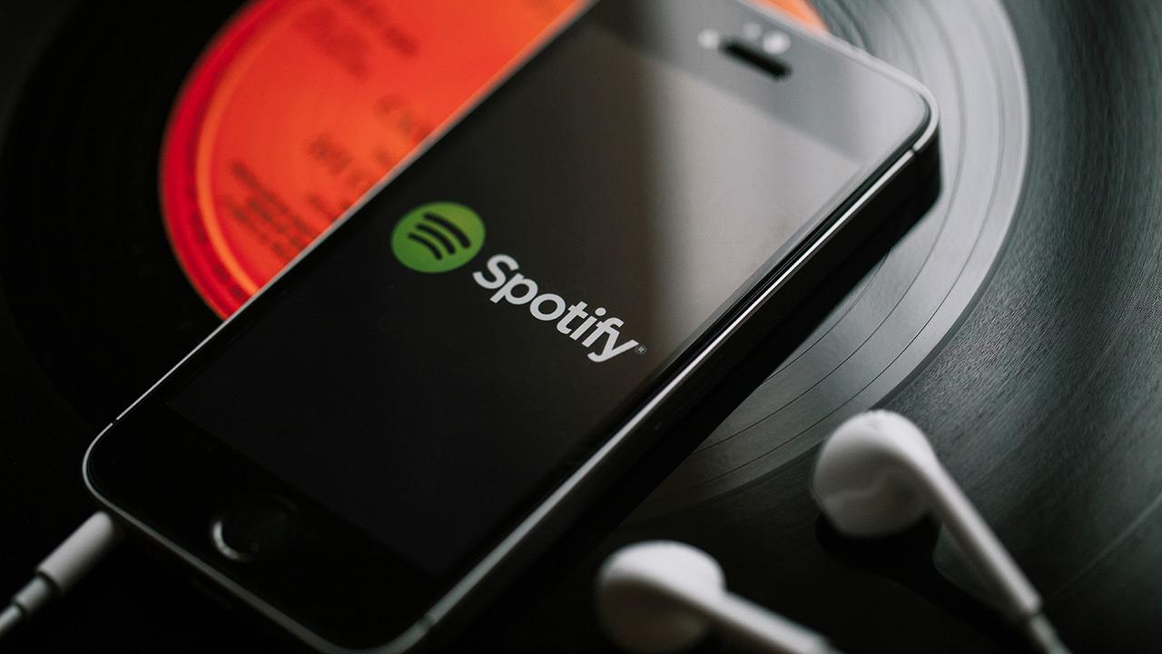 Spotifyek dagoeneko 271 milioi erabiltzaile aktibo ditu.  Konpainiak podcasten ospearen gehikuntza handia du