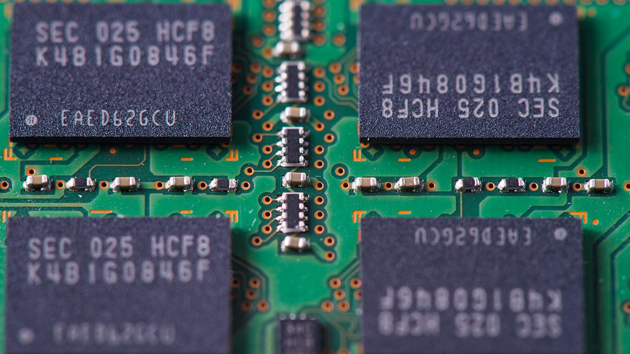 Kontsola berrien ekoizpenak nabarmen handituko du DRAM memoria eta SSD euskarrien eskaria