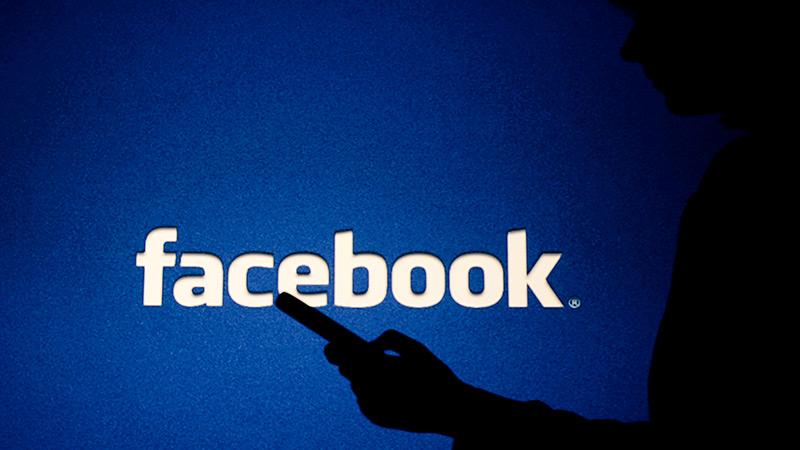 Facebook argazkiak eta bideoak Google Photos-era transferitzeko aukera emango dizu