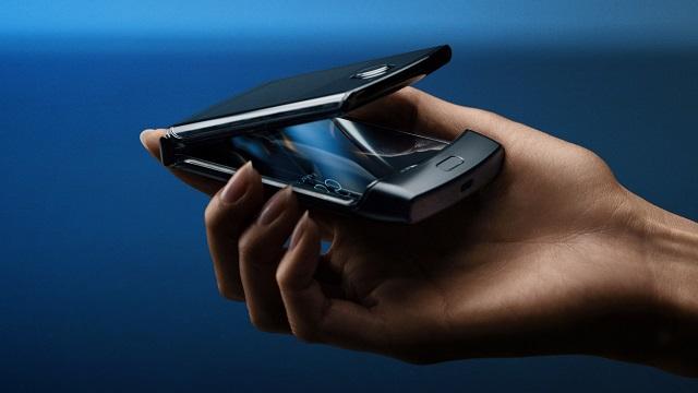Motorolak ofizialki iragartzen du RAZR eredua pantaila tolestura batekin