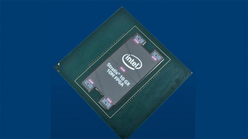 Intel Stratix 10 GX 10M FPGA - elementu logikoen kopurua duen txipa