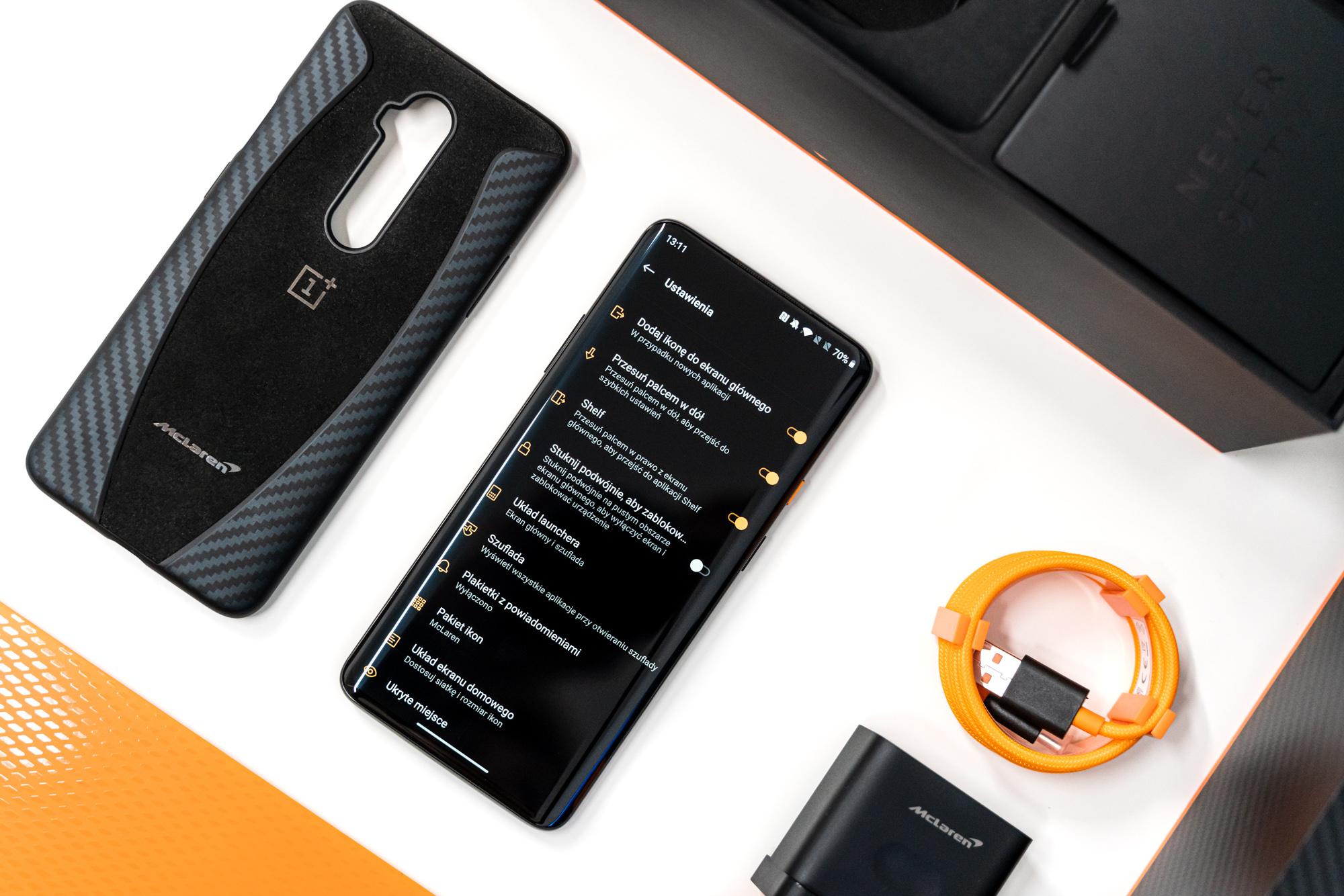 Android 11n denbora luzez seguruenik izango duzun funtzioa egongo da.  Modu iluna azkenean automatikoki aldatuko da