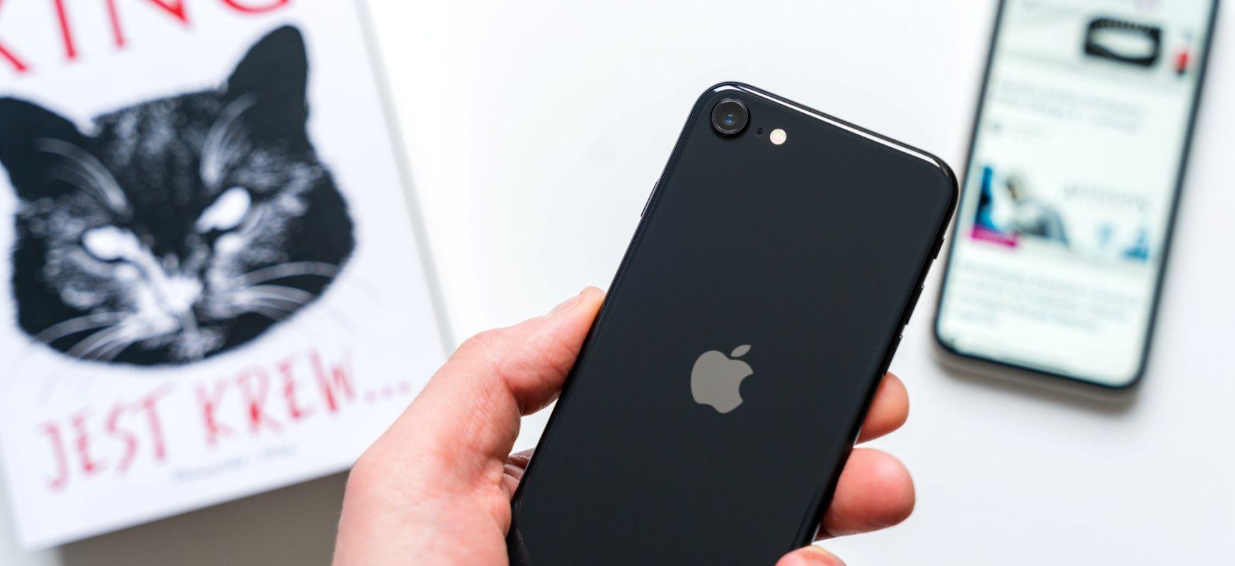 IPhone-k pandemiarako prest dagoenetik - Face IDk maskara ezagutzen du, iOS-ek kutsatutako pertsona batekin hitzordua jakinaraziko dizu