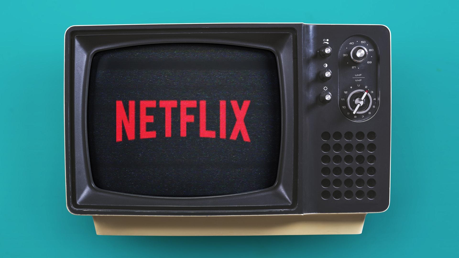 Etxea utzi genuen, beraz, Netflix-ek bideoaren kalitatea handitzen du.  Pandemiaren amaiera AHko sektorean