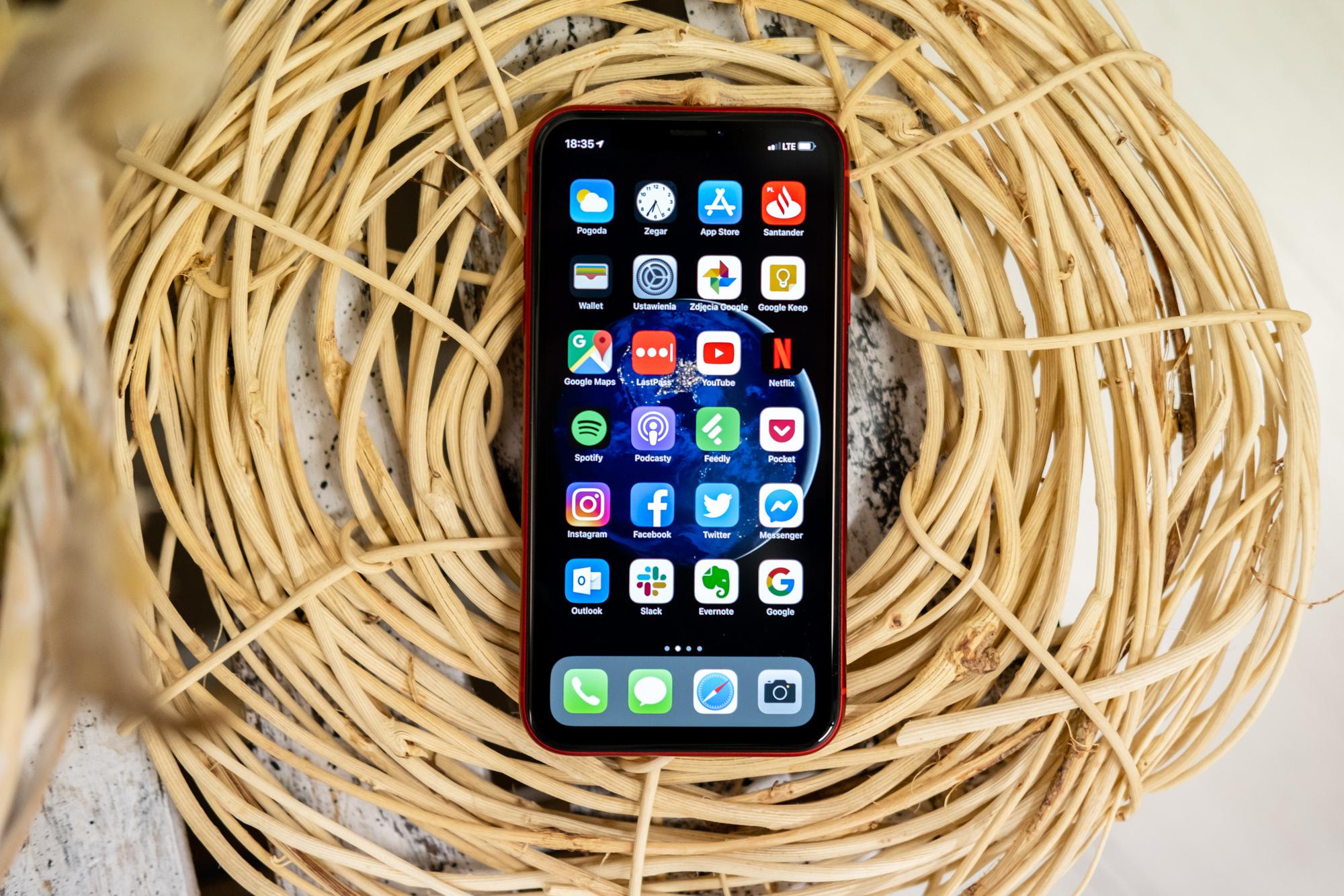 Prezio bikaina: iPhone XR Poloniako merkeena da.  smartphone Apple'PLN 2.699ren truke erosiko duzu