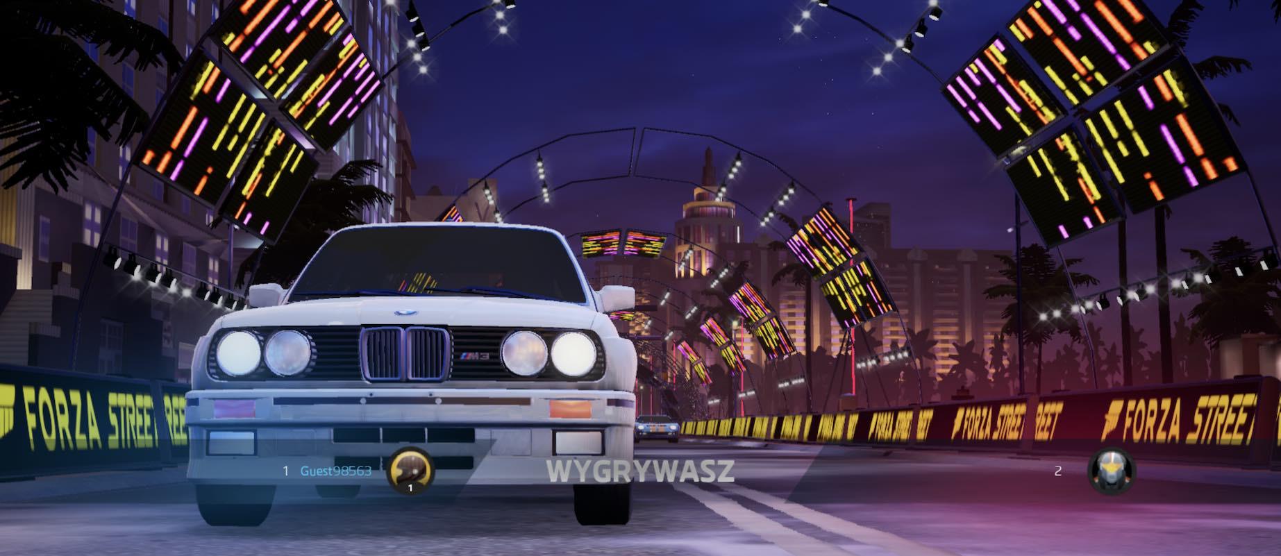 Aspertzeagatik hil nintzen BMW E30 M3-ren gurpilean.  Forza kalean horrelako inpresioak eman zizkidan