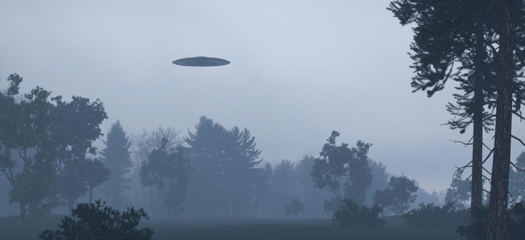 Eta, hala ere.  UFO hiru filmetan ikusgai.  Pentagonoak bere benetakotasuna berretsi zuen