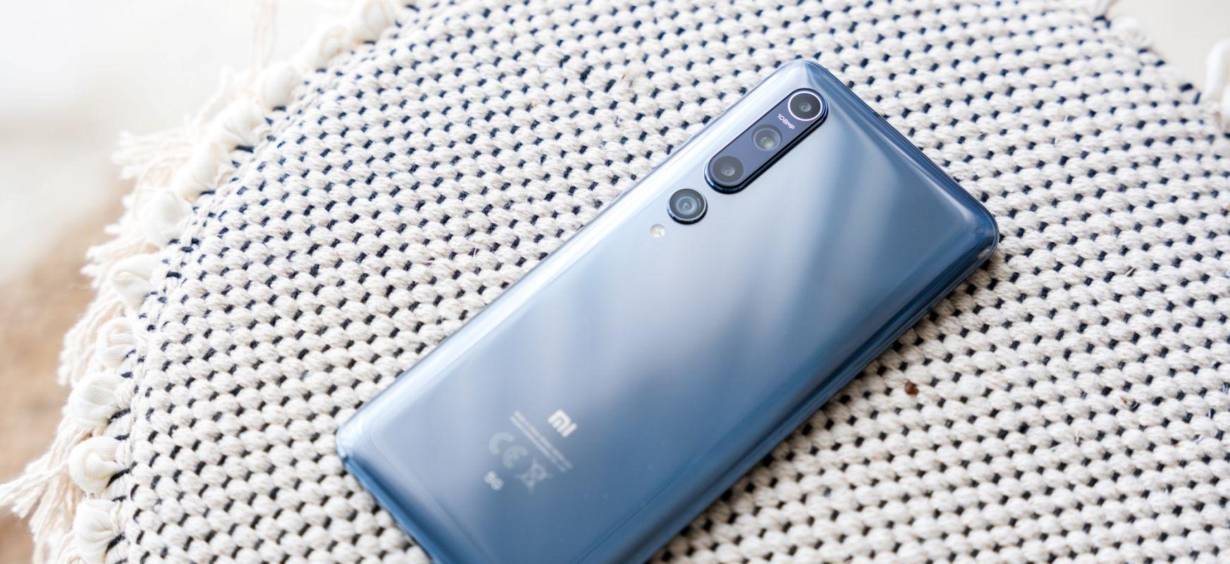 """Eredu honekin kategoria """"ona delako, merkea"""" izatetik """"ona baina garestia"""" izatera pasatu nahi zuten.  Xiaomi Mi 10 - berrikuspena"""